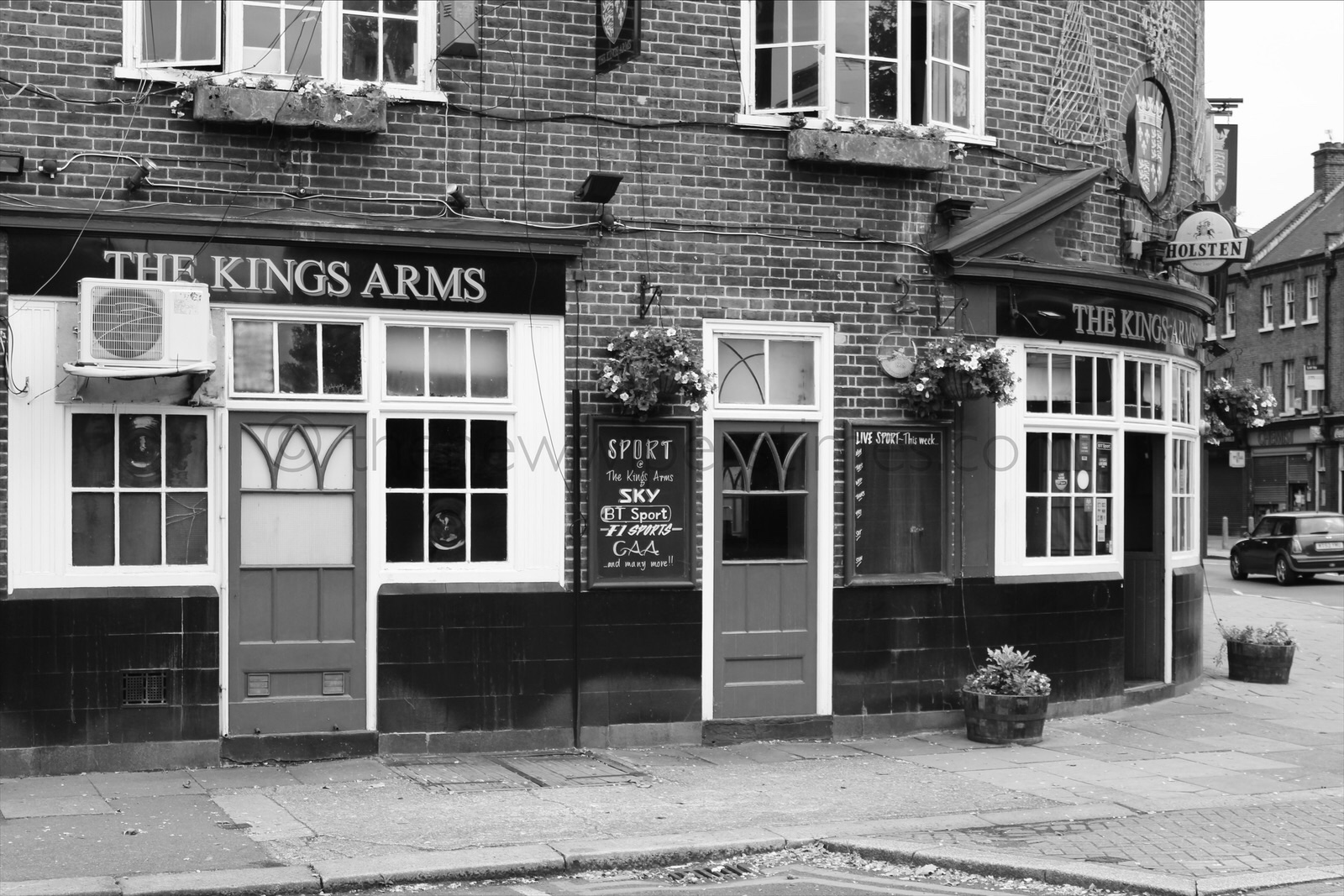 'The Kings Arms', 94 Kennington Lane, London S.E.11 Pub Public House Watney, Combe, Reid & Co., Ltd. Neo-Georgian NeoGeorgian Interwar